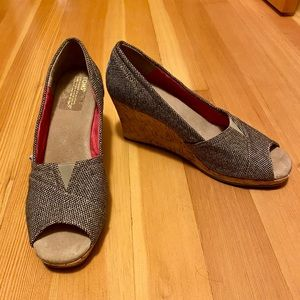 Toms gold herringbone wedges size 12